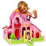 Дома, мебель, кареты, машины для кукол