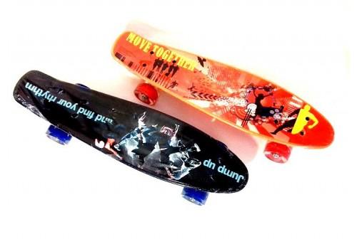 Скейтборд пластиковый с рисунком со светящимися колесами скейтборд